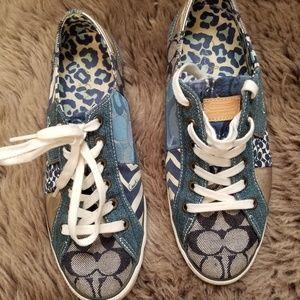 Coach lace up shoes blue size 19